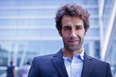 Portret van een zakenman die de toekomst bekijken Royalty-vrije Stock Foto's