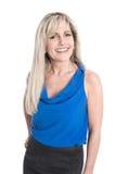 Portret van geïsoleerde aantrekkelijke glimlachende rijpe vrouw over wit royalty-vrije stock foto
