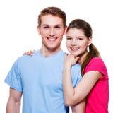 Portret van gelukkig het omhelzen paar Stock Foto