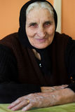 Portret van gelukkige, glimlachende grootmoeder Royalty-vrije Stock Foto