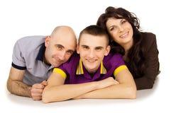 Portret van geïsoleerde vader, moeder en zoon Stock Foto