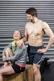 Portret van glimlachend atletisch paar Stock Foto