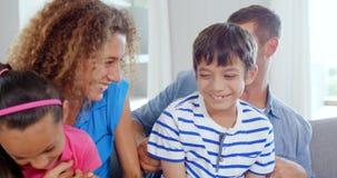 Portret van glimlachende familie stock footage