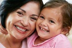 Portret van Grootmoeder met Kleindochter royalty-vrije stock fotografie
