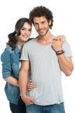 Portret van het gelukkige paar omhelzen stock afbeeldingen
