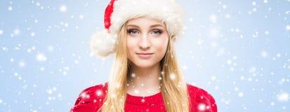 Portret van het jonge, mooie en gelukkige tiener vieren Stock Foto