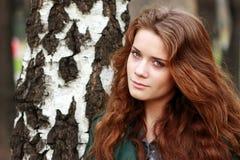 Portret van het jonge mooie meisje Royalty-vrije Stock Afbeeldingen