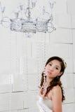 Portret van het jonge mooie meisje kijken aan camera Stock Foto