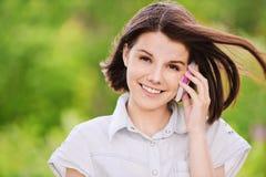 Portret van het jonge vrouw spreken Stock Fotografie