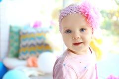 Portret van het meisje van de één éénjarigebaby stock afbeelding