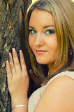 Portret van het mooie mollige meisje Royalty-vrije Stock Afbeeldingen