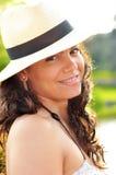 Portret van het sexy donkerbruine glimlachen Royalty-vrije Stock Foto