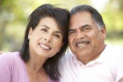 Portret van Hoger Paar in Park Royalty-vrije Stock Afbeelding