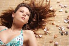 Portret van jong mooi gelooid donkerbruin sexy w Royalty-vrije Stock Afbeelding
