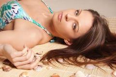 Portret van jong mooi gelooid donkerbruin sexy w Royalty-vrije Stock Foto