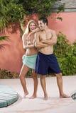 Portret van jong paar in zwempakken stock foto