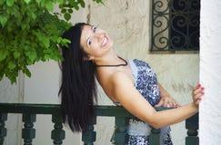 Portret van jong vrolijk meisje Stock Afbeelding
