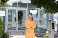 Portret van jonge bedrijfsvrouw royalty-vrije stock fotografie