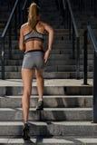 Portret van jonge en mooie vrouwelijke geschiktheid opleiding Sportmotivatie Stock Fotografie