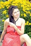 Portret van jonge glimlachende dame Stock Afbeeldingen