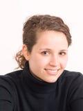 Portret van jonge glimlachende mooie vrouw Stock Foto's
