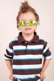 Portret van jonge jongen in groene glazen Royalty-vrije Stock Foto