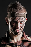 Portret van jonge militair met grijns stock fotografie