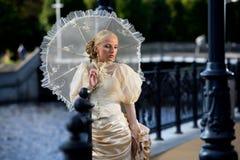Portret van jonge mooie bruid Royalty-vrije Stock Afbeeldingen