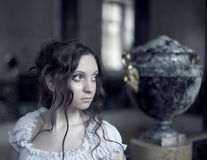 Portret van jonge mooie dame Stock Foto