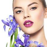 Portret van jonge mooie vrouw met een gezonde schone huid van t stock fotografie