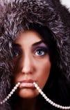 Portret van jonge sexy vrouw met parels Royalty-vrije Stock Fotografie