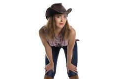 Portret van jonge vrouw in cowboyhoed royalty-vrije stock foto