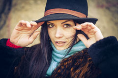 Portret van jonge vrouw in de herfst Royalty-vrije Stock Fotografie