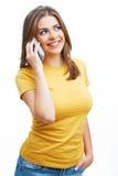 Portret van jonge vrouw op telefoongesprek Stock Foto