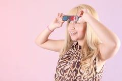 Portret van jongelui, blondevrouw, die met 3d glimlachen Stock Foto's