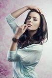 Portret van Kaukasisch mooi meisje Stock Fotografie