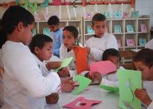 Portret van kinderen in klasse in Egypte Stock Afbeelding
