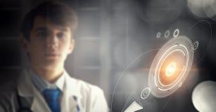 Portret van knappe arts Stock Afbeeldingen