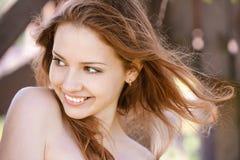 Portret van lachende vrouw Stock Foto's