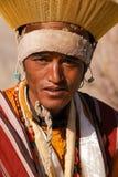 Portret van Ladakhi-mannetje in traditioneel kostuum tijdens godsdienstig Royalty-vrije Stock Foto