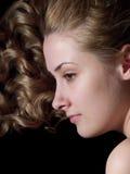 Portret van langharig meisje royalty-vrije stock fotografie