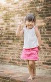 Portret van leuk Aziatisch meisje stock foto's