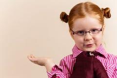 Portret van leuk elegant redhead meisje Royalty-vrije Stock Foto's