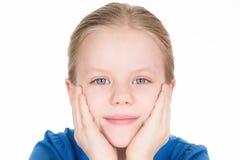 Portret van leuk meisje in blauw Stock Foto