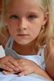 Portret van meisje met boek Stock Fotografie