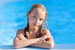 Portret van meisje in openlucht stock afbeeldingen