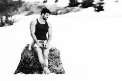 Portret van Modelman standing outdoors stock afbeeldingen