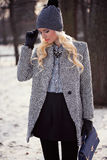 Portret van mooi blondemeisje stock foto