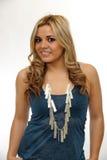 Portret van mooi blondemeisje met lang krullend haar royalty-vrije stock foto
