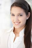 Portret van mooi glimlachend meisje royalty-vrije stock afbeelding